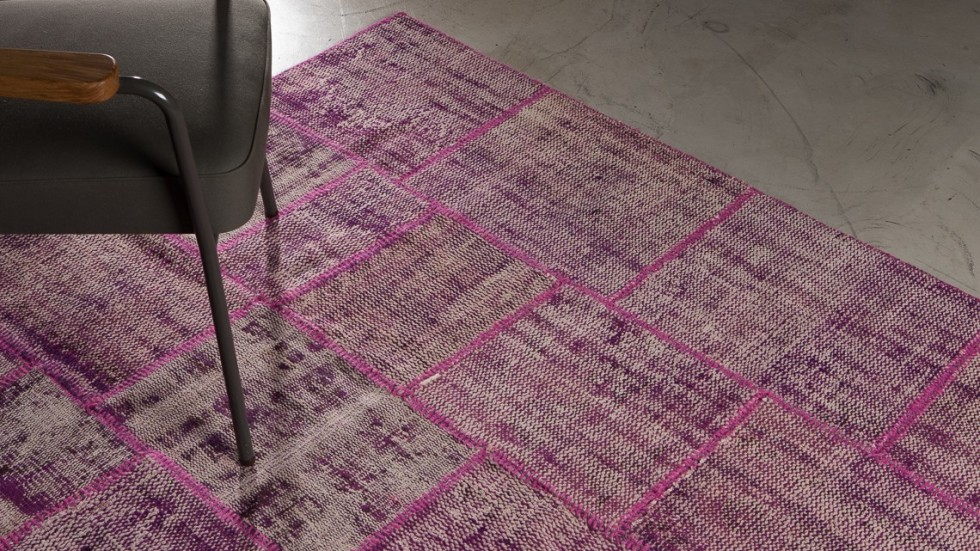 tapis patchwork rose prune la maison generale. Black Bedroom Furniture Sets. Home Design Ideas