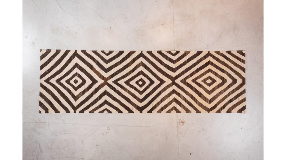 tapis de passage en poil de ch vre tapis ethnique. Black Bedroom Furniture Sets. Home Design Ideas