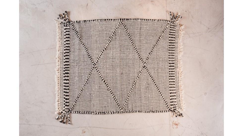 NOUVEAU- petit tapis berbère Boujad, noir et blanc, laine 143x115