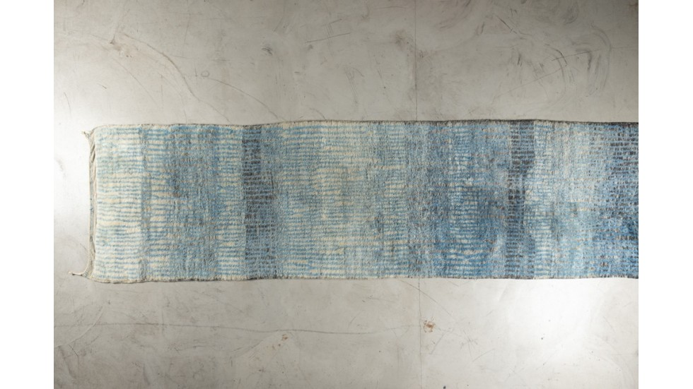 Tapis de passage Beni Ouarain- bleu- pure laine- 425X110 cm