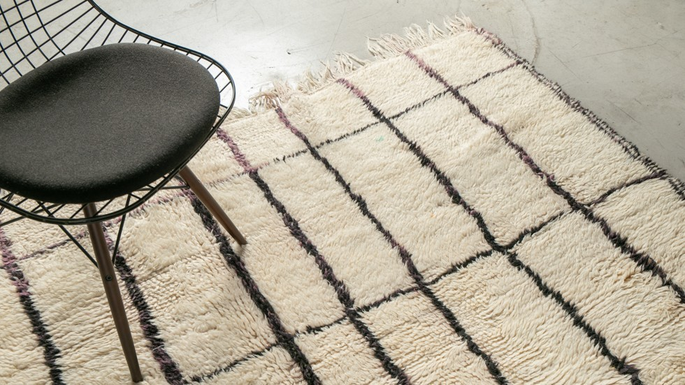 Tapis berbère Azilal- pure laine- écru et noir-320x210cm
