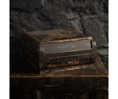 BOITE A SOIERIES AVEC COUVERCLE   CHINE XIXème  36cm x 36cm x H20cm